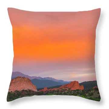 Throw Pillow featuring the photograph Garden Of The Gods Sunset by Tim Reaves