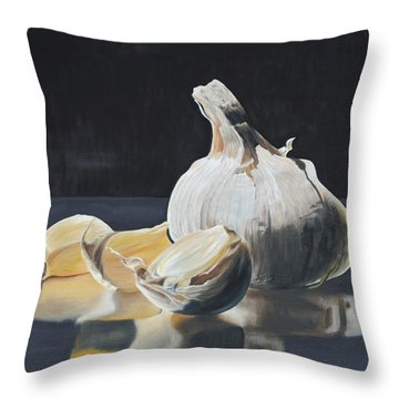 Garlic I Throw Pillow