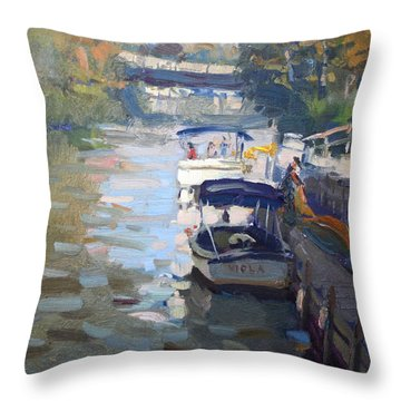 Gateway Harbor In Tonawanda Throw Pillow