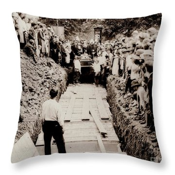 Georgetown Section Of Wilkes Barre Twp. June 5 1919 Throw Pillow