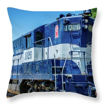 Georgia 1026 Throw Pillow