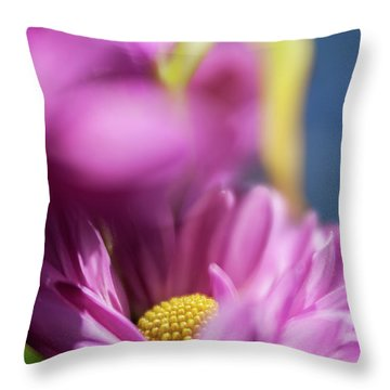 Gerber Daisy In Purple Throw Pillow