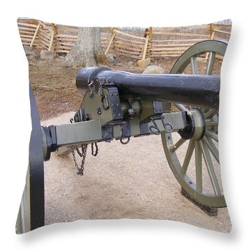 Gettysburg Cannon Throw Pillow