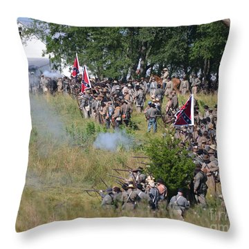 Gettysburg Confederate Infantry 8825c Throw Pillow