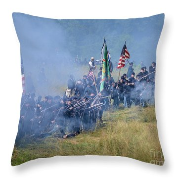 Gettysburg Union Infantry 8947c Throw Pillow