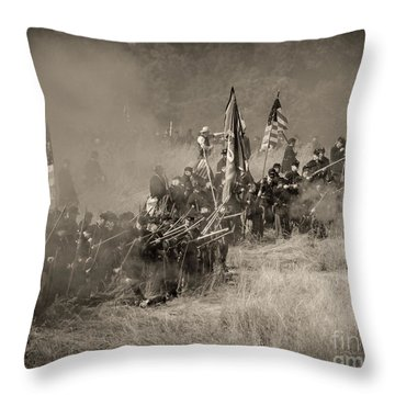 Gettysburg Union Infantry 8947s Throw Pillow