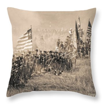 Gettysburg Union Infantry 8948s Throw Pillow