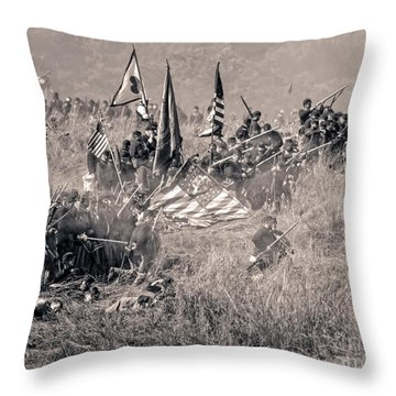 Gettysburg Union Infantry 8963s Throw Pillow