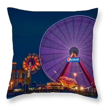 Giant Ferris Wheel Throw Pillow