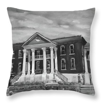 Gilmer County Old Courthouse - Black And White Throw Pillow