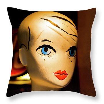Girl_04 Throw Pillow