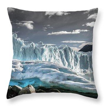 Glaciar 74 Throw Pillow