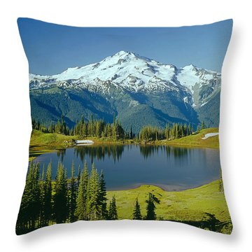 1m4422-glacier Peak, Wa  Throw Pillow