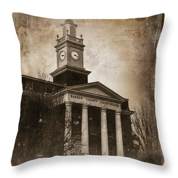 Glasgow Ky Courthouse Throw Pillow