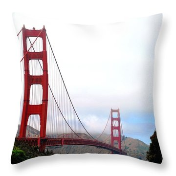 Golden Gate Bridge Full View Throw Pillow