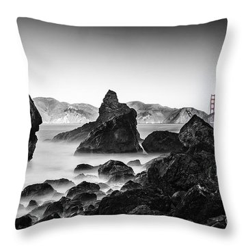 Golden Gate Colour Throw Pillow