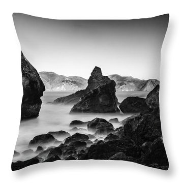 Golden Gate In Black And White Throw Pillow