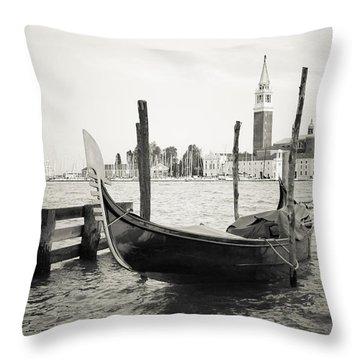 Gondola In Bacino S.marco S Throw Pillow