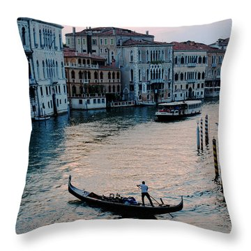 Gondolier On Grand Canal Throw Pillow