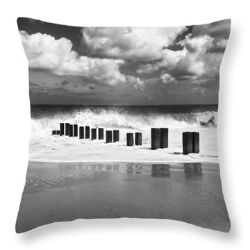 Gorleston Beach Throw Pillow