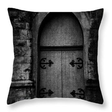 Gothic Door Memphis Church Bw Throw Pillow by Lesa Fine