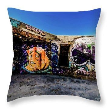 Graffiti_03 Throw Pillow