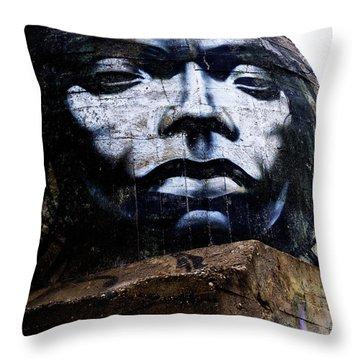 Graffiti_07 Throw Pillow