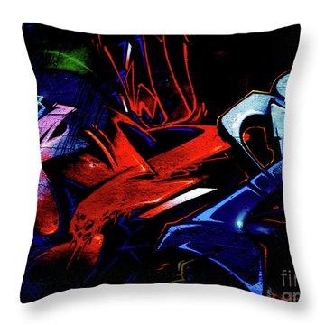 Graffiti_20 Throw Pillow