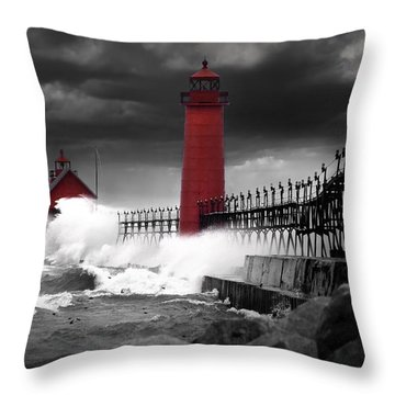 Grand Haven Lighthouse In A Rain Storm Throw Pillow