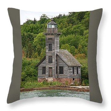 Throw Pillow featuring the photograph Grand Island East Channel Lighthouse #6664 by Mark J Seefeldt