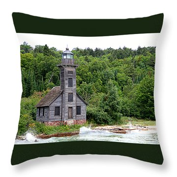 Grand Island East Channel Lighthouse #6680 Throw Pillow