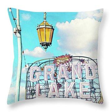 Grand Lake Merritt - Oakland, California Throw Pillow