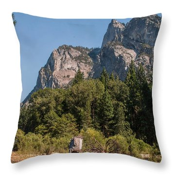 Grand Sentinel Zumalt Meadow Kings Canyon National Park Throw Pillow