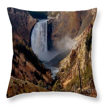 Grandeur Throw Pillow