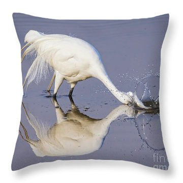 Great Egret Dipping For Food Throw Pillow