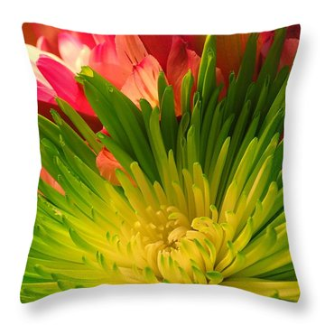 Green Focus Throw Pillow