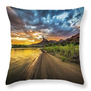 Green River, Utah 2 Throw Pillow