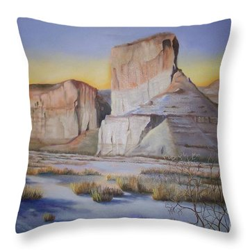 Green River Wyoming Throw Pillow