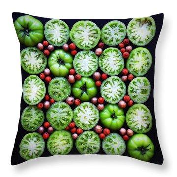 Green Tomato Slice Pattern Throw Pillow