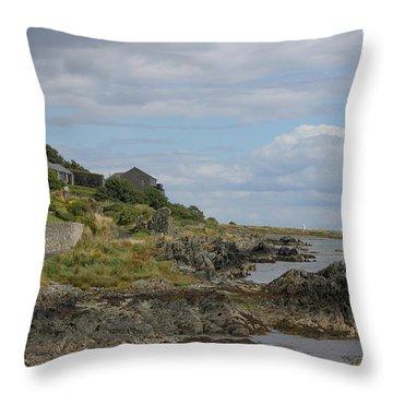 Greencastle 4138 Throw Pillow