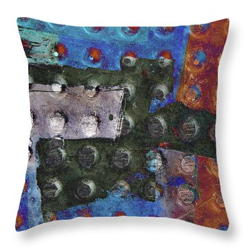 Gridiron Horn Throw Pillow