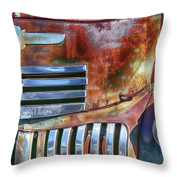 Grilling With Rust Throw Pillow