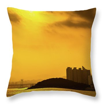 Gwangandaegyo Bridge, Korea Throw Pillow