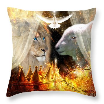 Ha-shilush Ha-kadosh  Throw Pillow