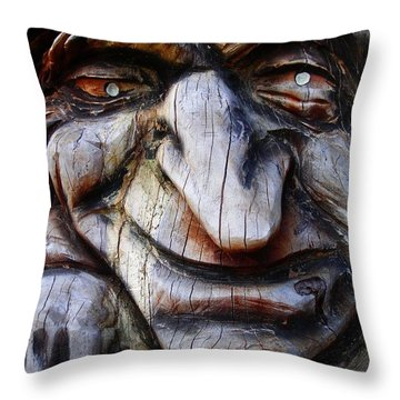 Haensel Und Gretel Throw Pillow