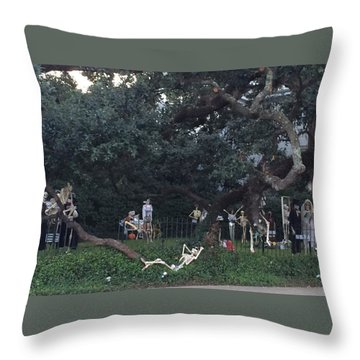 Halloween Yard Party Throw Pillow