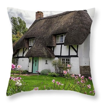 Hampshire Thatched Cottages 8 Throw Pillow
