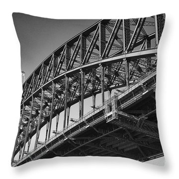 Throw Pillow featuring the photograph Harbor Bridge In Black And White by Yew Kwang