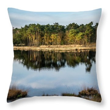 Haterste Vennen Last Sun Throw Pillow