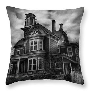 Haunted - Flemington Nj - Spooky Town Throw Pillow by Mike Savad